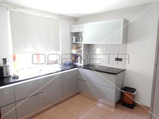 Kuća - Prodaja - GRAD ZAGREB - ZAGREB - TRNJE