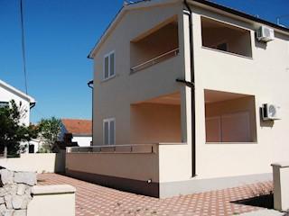 Haus - Verkauf - ŠIBENSKO-KNINSKA - VODICE - TRIBUNJ