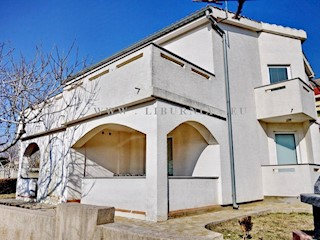 Haus - Verkauf - PRIMORSKO-GORANSKA - KRK - BAŠKA